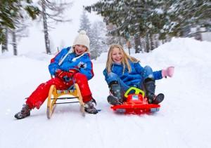 family-snow-fun 07